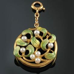 Image courtesy: The French Jewel Box
