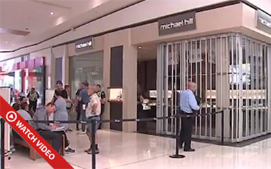 A Michael Hill store in Melbourne has been hit with a smash-and-grab robbery. Image courtesy: Channel 9