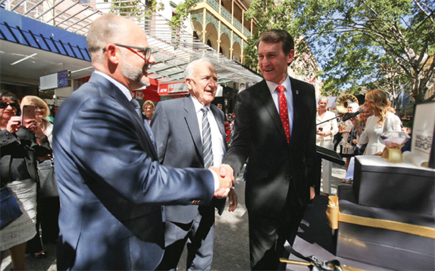 Stuart Bishop, Wal Bishop and Brisbane Lord Mayor Graham Quirk
