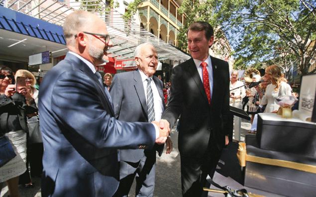 Stuart Bishop, Wal Bishop and Brisbane Lord Mayor Graham Quirk