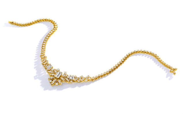 A diamond necklace from the personal collection of Gigi Guggenheim Danziger fetched US$37,500 (AU$47,800)