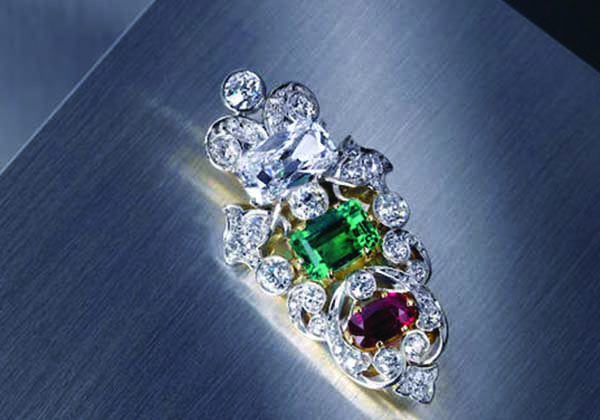 A brooch purchased for US$8 stole the show at a recent Bonhams auction