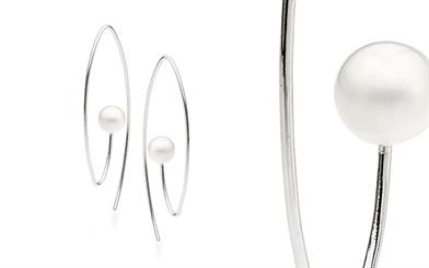 Ikecho Pearls' freshwater pearl hook earrings