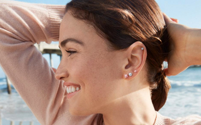 De Beers Group's new company, Lightbox Jewelry is its first to feature synthetic diamonds