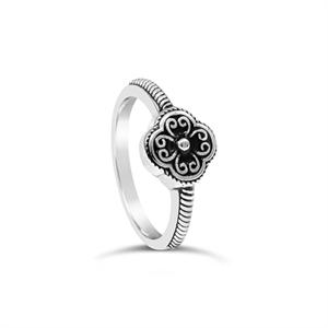 Stones & Silver flower-shaped black enamel ring