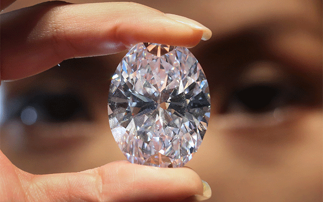 Would you propose with a synthetic diamond?
