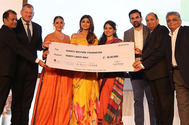GJEPC executive team with Mrs. Shilpa Shetty, Mr. Zaheer Khan, and Ms Manisha Koirala representing NGO Giants Welfare International.
