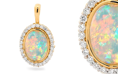 Opals Australia's 18-carat yellow gold pendant with diamonds