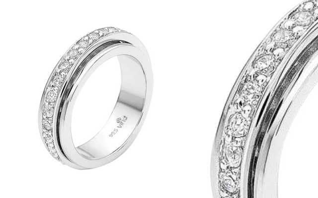 Vina Jewellery's signature spinning eternity ring
