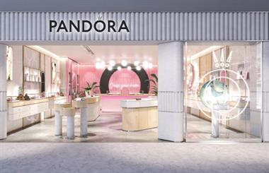 Pandora Jewellery has released a disappointing interim report, but management remains optimistic.
