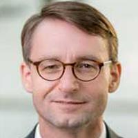 Dr Roland Wöller