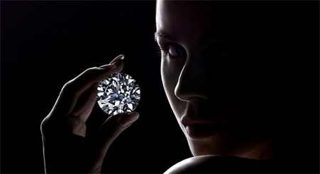 A new analysis by Bain & Co. and the Antwerp World Diamond Centre has found that a 1-carat lab-created diamond now retails for as little as 35 per cent of the price of natural, mined diamonds.