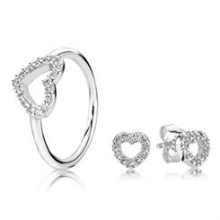 Pandora's Valentine's collection