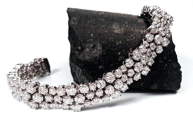 GALAXY SIII diamond bracelet and kimberlite