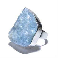 Made in Earth Creations' raw aquamarine ring