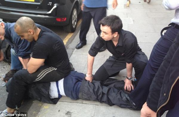 Two suspects were stopped by members of the public after falling off their getaway vehicles. Image source: Daily Mail