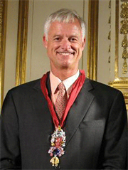 Scott Sucher, master of famous diamond replicas
