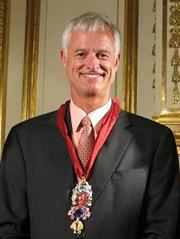 Scott Sucher, master of famous diamond replicas
