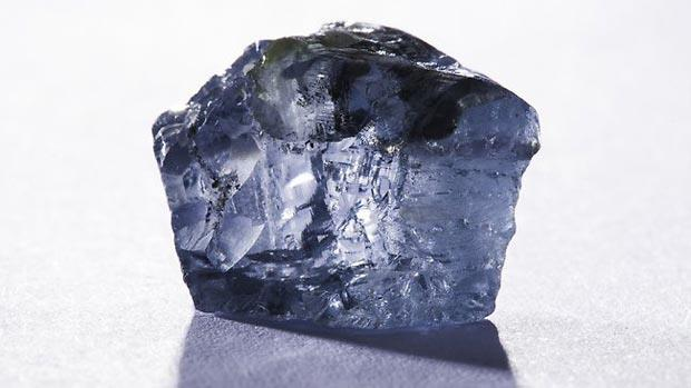 Another angle of the largest blue diamond, which is estimated to sell around US$20 million