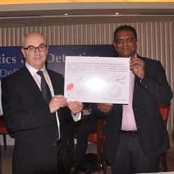(L-R) Jonathan Kendall, IIDGR president and Vipul Shah, GJEPC chairman