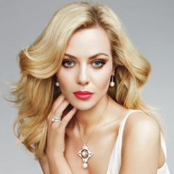 Jessica Marais, the face of Linneys