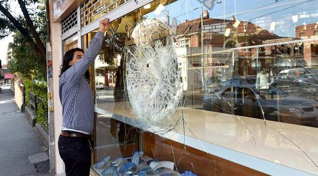 The raid followed another armed jewellery store robbery on Sydney Road in October 2014