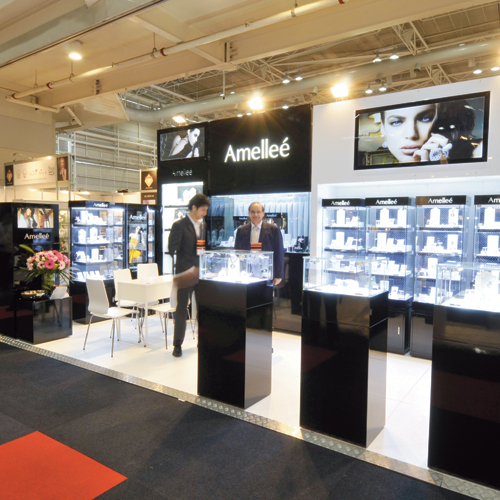 Amellee stand
