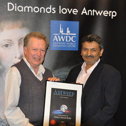 Paul Ward, Nationwide's member of the year receiving his certificate from Nishit Parikh