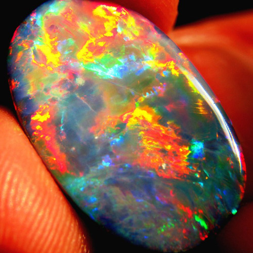 Geologists are questioning whether Australian opal qualifies as a Global Heritage Stone Resource