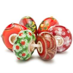 Trollbeads new collection symbolising the colours of Christmas