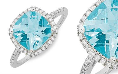 La Couronne Jewellery's blue topaz ring