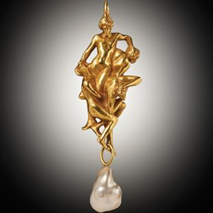 Art nouveau gold and pearl pendant by René Lalique, circa 1902
