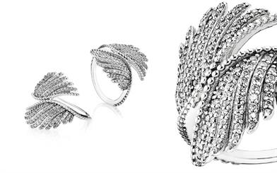 Pandora's Majestic Feathers ring