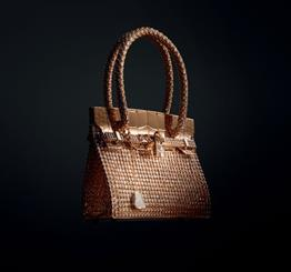 Hermès' Haute Bijouterie! Kelly: Sac bijou in rose gold with 1,160 diamonds (total carat weight: 33.94)