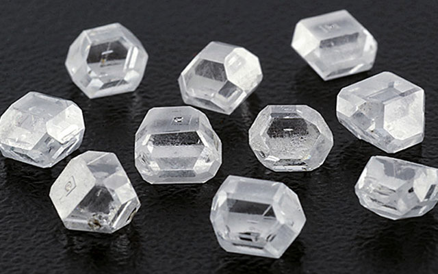 "The GIA has developed a melee synthetic screening device and forecast an increase in HPHT diamonds. Image courtesy: <a href=""http://www.gia.edu/gems-gemology/spring-2016-gemnews-large-colorless-hpht-synthetic-gem-diamonds-china"" target=""_blank"">GIA/Jianxin (Jae) Liao</a>"
