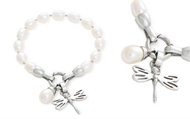 Miki Jewellery's freshwater pearl bracelet with dragonfly and freshwater pearl charm