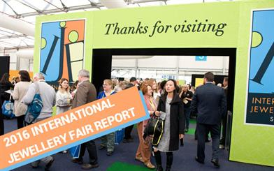 Visitors pour into the Sydney Exhibition Centre @ Glebe Island