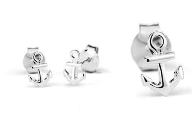 Stow Lockets' sterling silver anchor studs