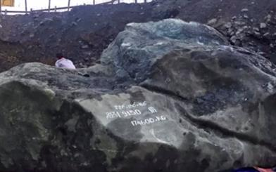 "The giant gemstone was reportedly sent to China to be carved into jewellery and sculptures. Image courtesy: <a href=""https://www.youtube.com/watch?v=bL99ja-0-5Q"" target=""_blank"">Youtube/Unusual Things </a>"